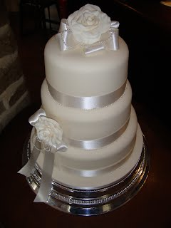 Kim and Liam wedding cake
